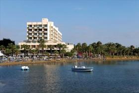 Golden Bay Beach - Ciprusi Üdülés