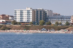 Primorszko-Hotel Perla Beach