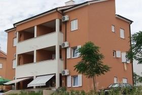 Toplek Apartmanház - Novalja