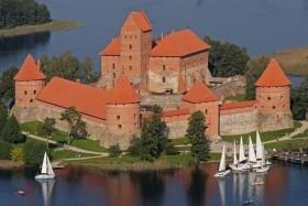 Baltikum finn kóstolóval: körutazás