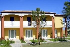 Ai Pini Apartmanház (Lido Altanea)