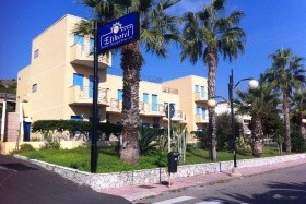 Eli Hotel