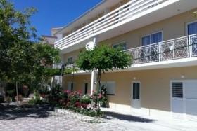 Sajac Apartmanház - Omis