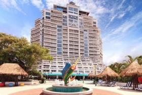 Prince Palace Bangkok + Hotel Andaman Beach Suites Phuket