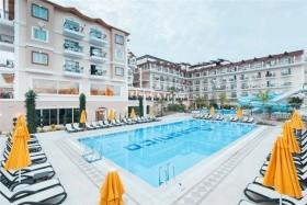 L\'oceanica Beach Resort Hotel