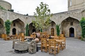 Baku, a 'kaszpi Dubai' és Azerbajdzsán legszebb tájai