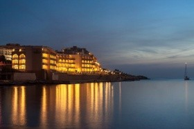 Hotel Corinthia Marina Beach Resort