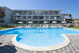Residence Myconos Med Resort - Pineto