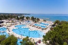 Zaton Holiday Resort *** /
