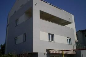 Lav Apartmanház – Diklo