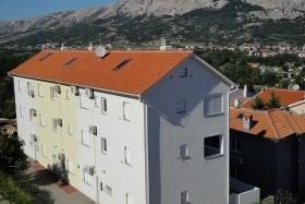 Limun Apartmanház - Baska