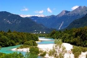 Szlovénia aktívan: kirándulás a Soca völgyében rafting lehetőséggel