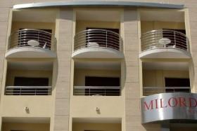 Milords Suites Apartmanház