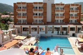 Munamar Beach Resort