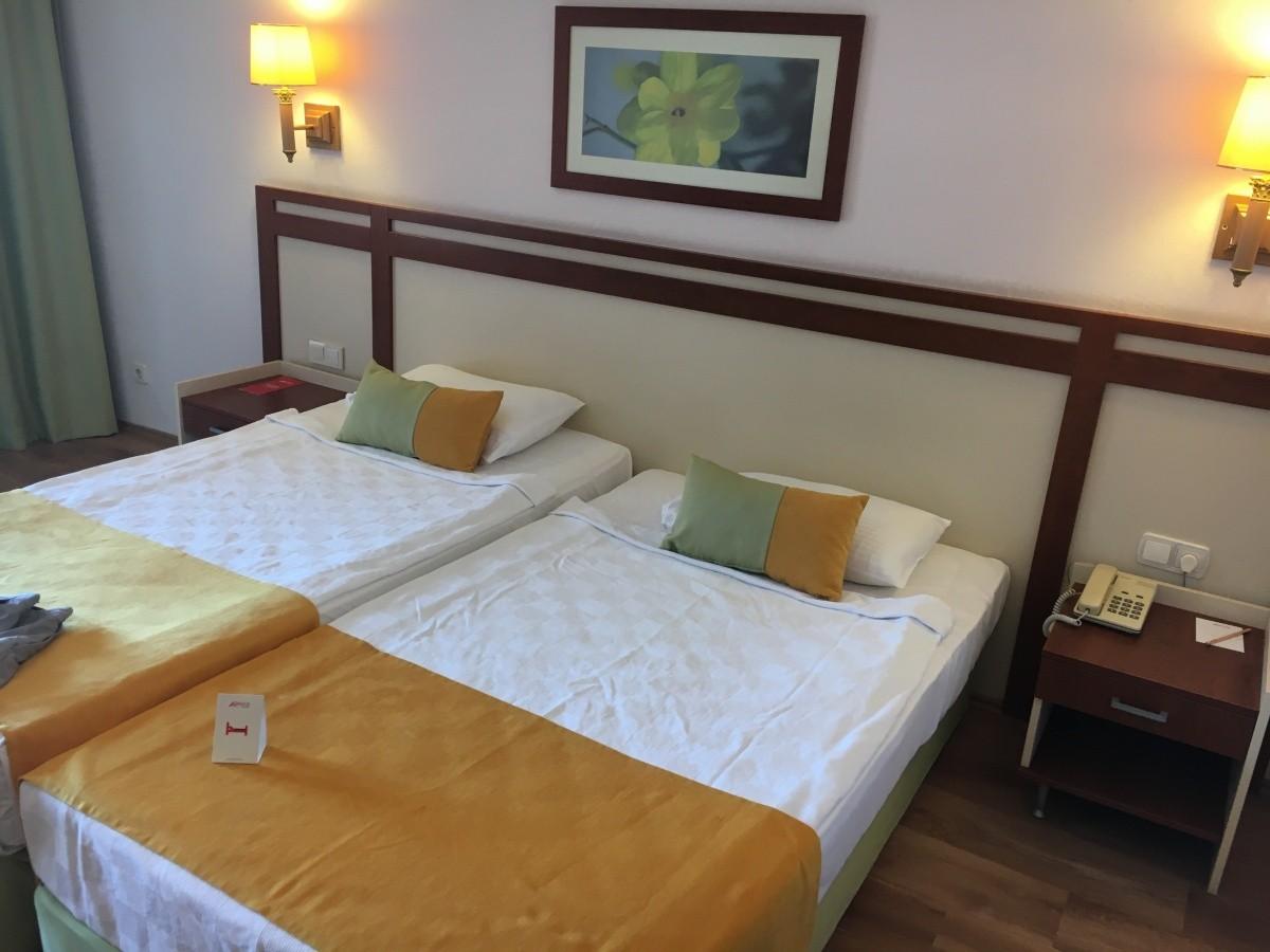 Hotel armas bella luna hotel rt kel s armas bella luna for Hotel pistolas