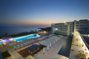 Hotel King Evelthon Beach