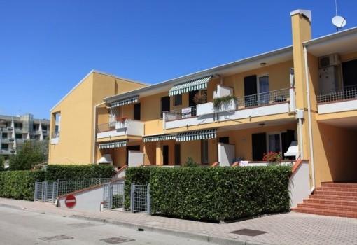 Villaggio Luna1