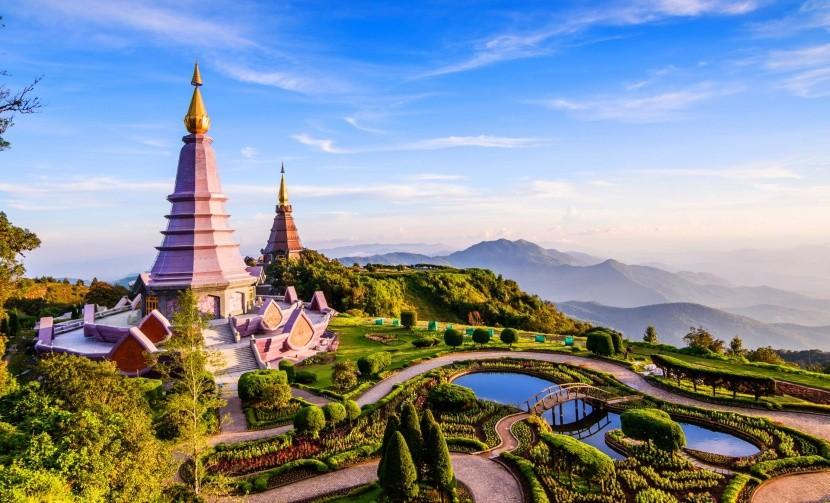 Thaiföld  Chiang Mai templom tó