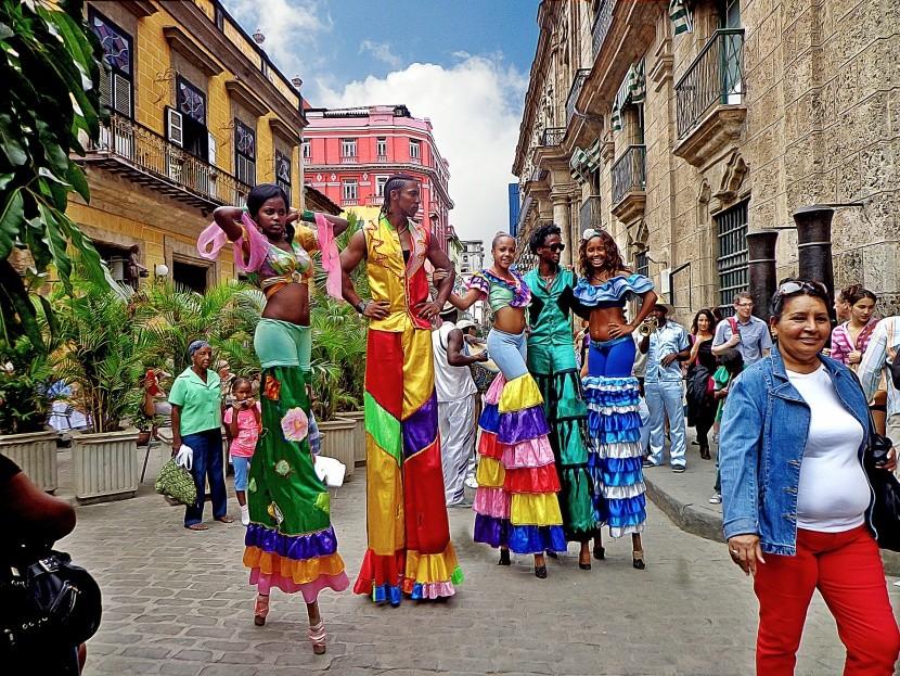 Utcai táncosok, Havanna, Kuba