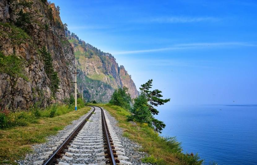 Bajkál-tó vonat sín orosz vidék