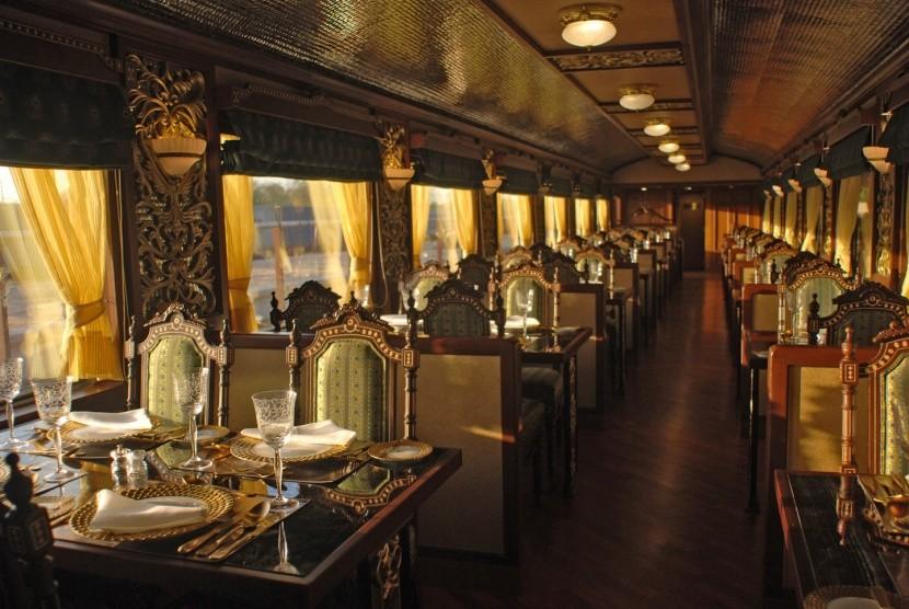 Maharadzsa Expressz étterek teríték vonat