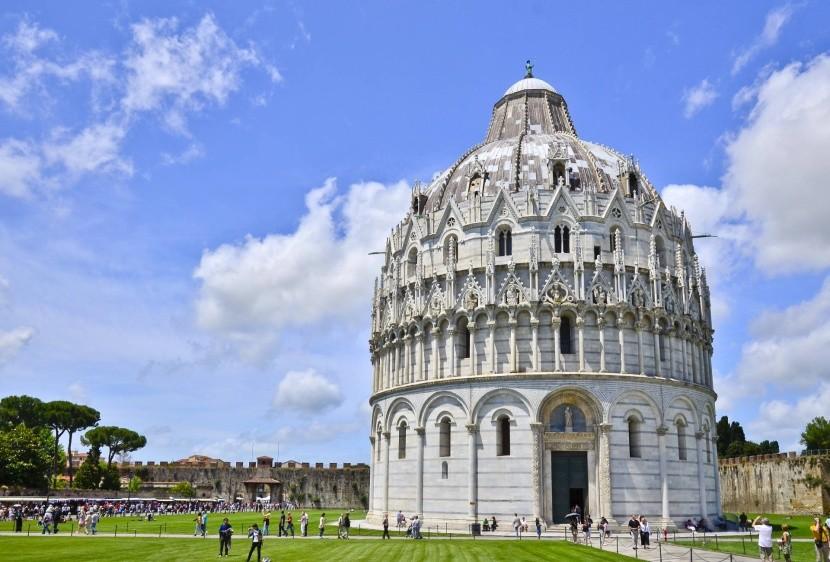 Szent János-keresztelőkápolna Pisa