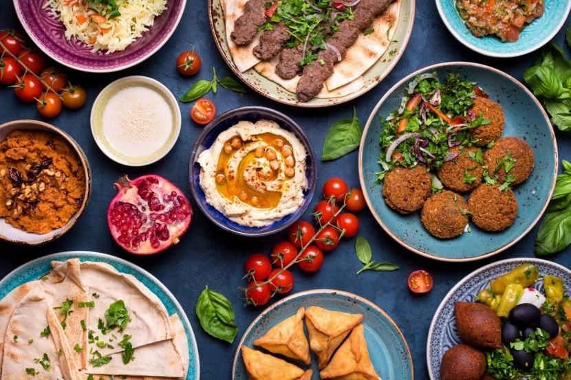 arab konyha fűszerek paradicsom hús humusz