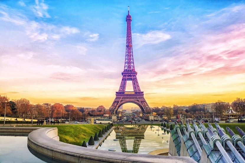 Eiffel-torony Párizs acélszerkezet nevezetess