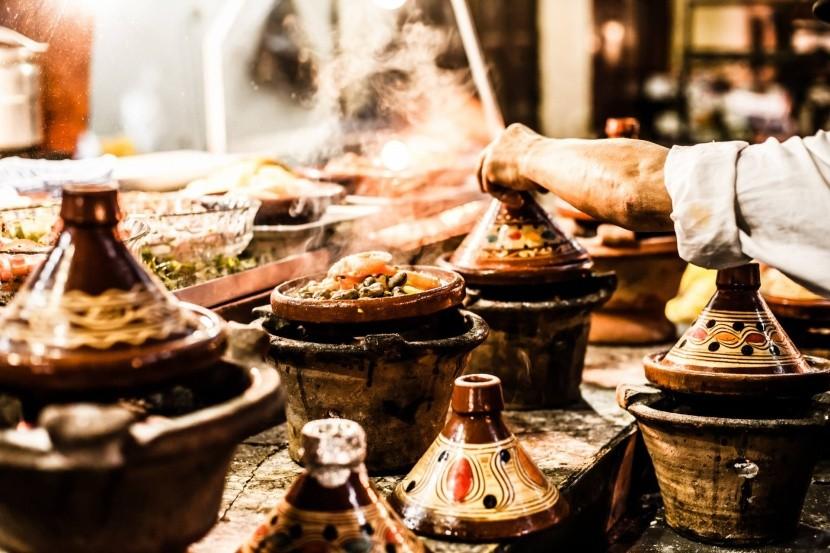 hagyományos marokkói tajine étel gasztronómia