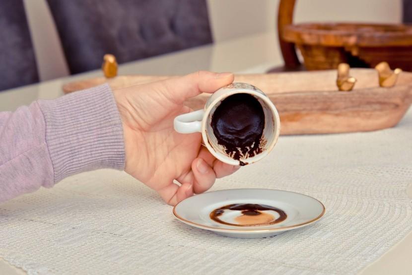 Jóslás kávézaccból Törökországban