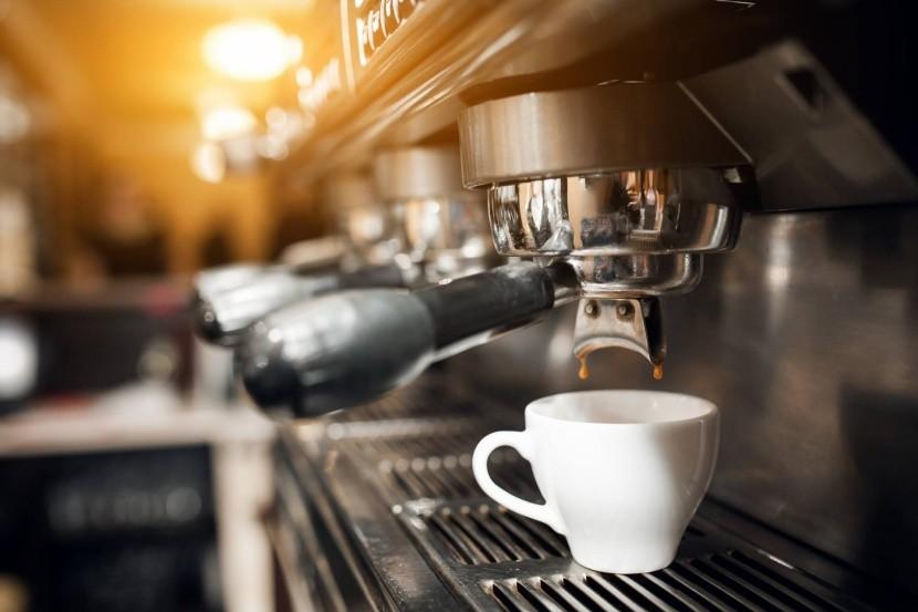 Az olaszok a kávéra alapoznak