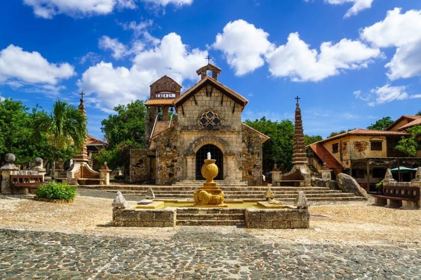 Szent Stanislaus templom, Altos de Chavon