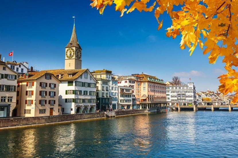 A napos Zürich, Svájc