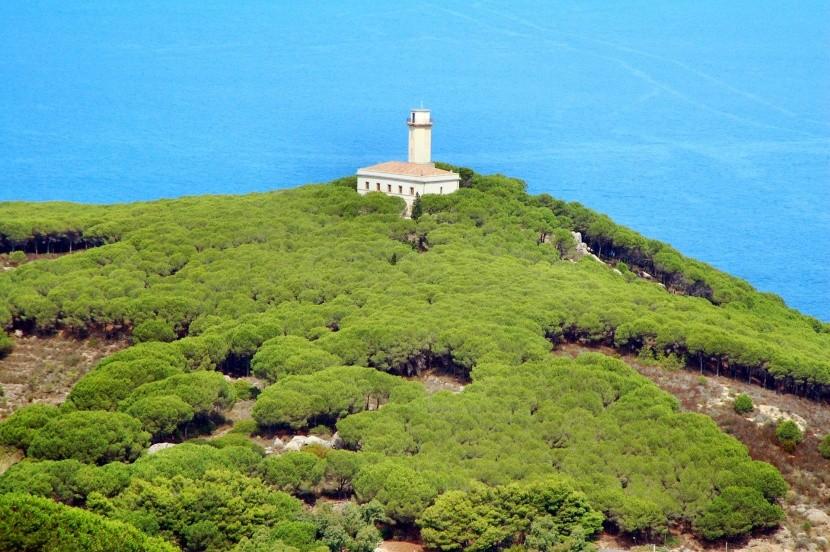 Világítótorony a Giglio szigeten