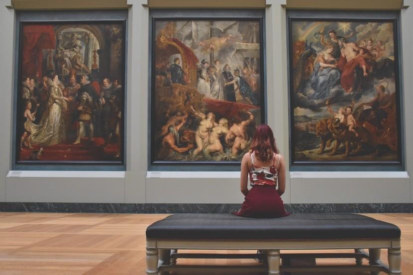 Terem a Louvre-ban