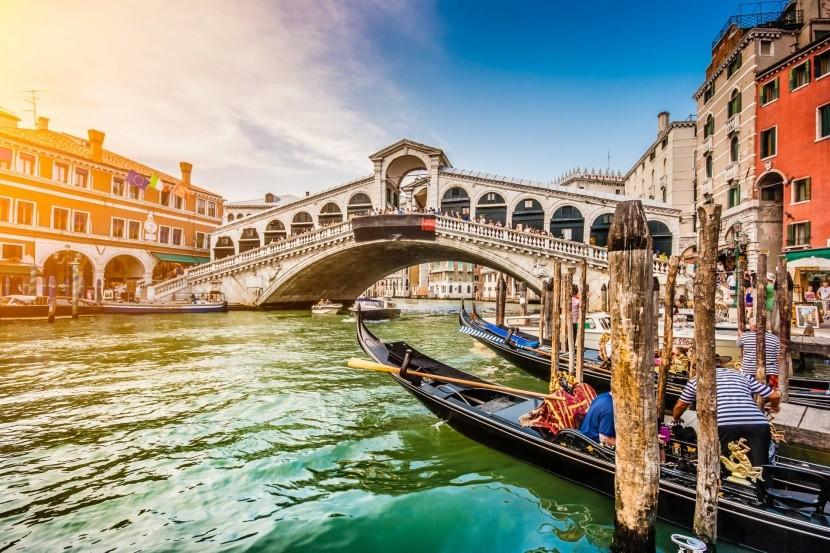 Rialto-híd Velencében
