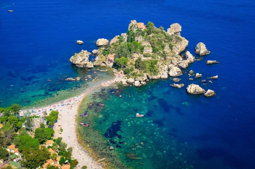 Isola Bella tengerpartja