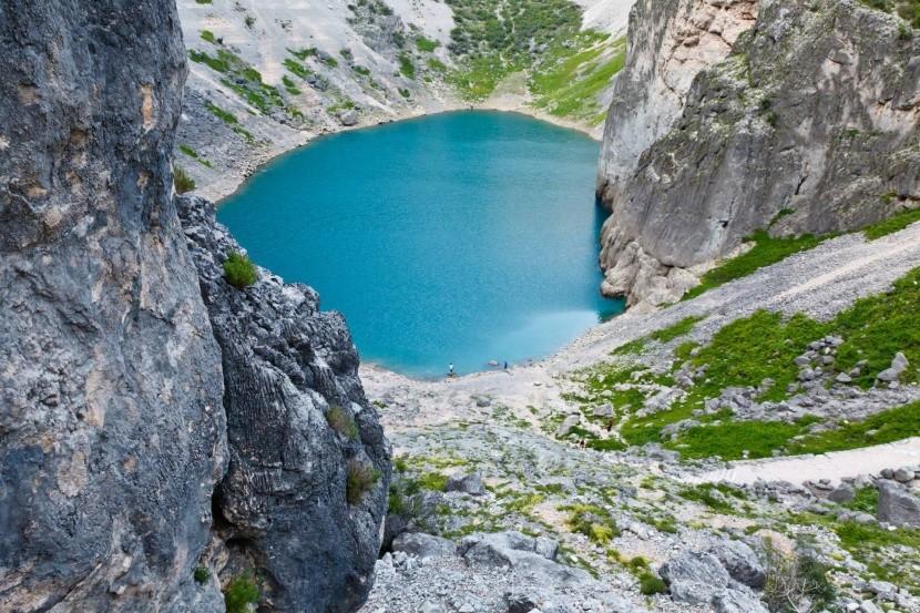 Kék-tó Imotski faluja mellett (Horvátország)