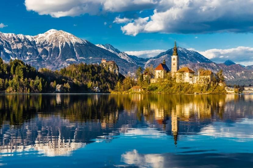 A Bledi-tó és környéke