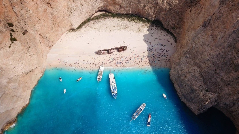 Csakis hajóval lehet a strandhoz hozzáférni