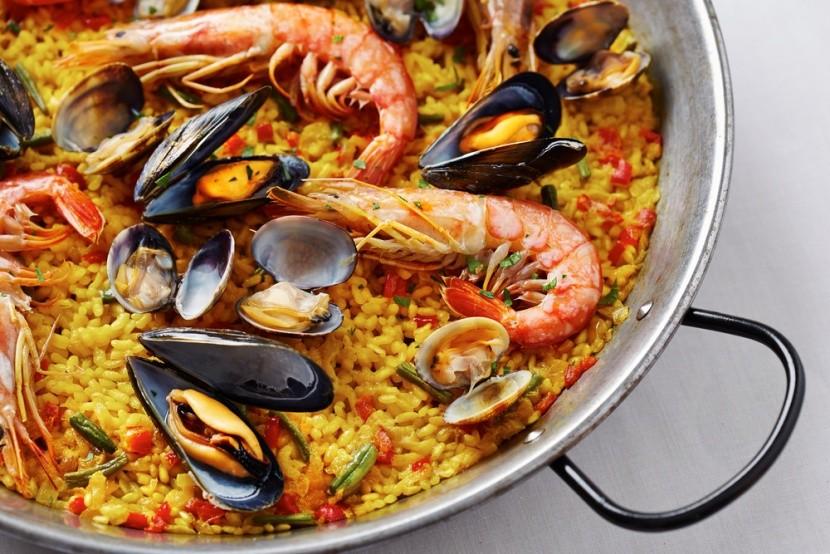 Paella tenger gyümölcseivel, Katalónia