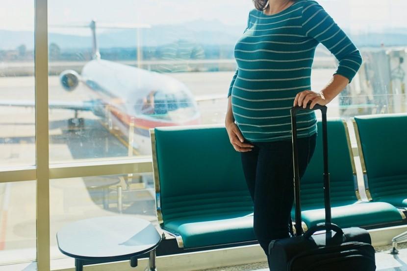 Várandósan a reptérre csakis kényelmesen