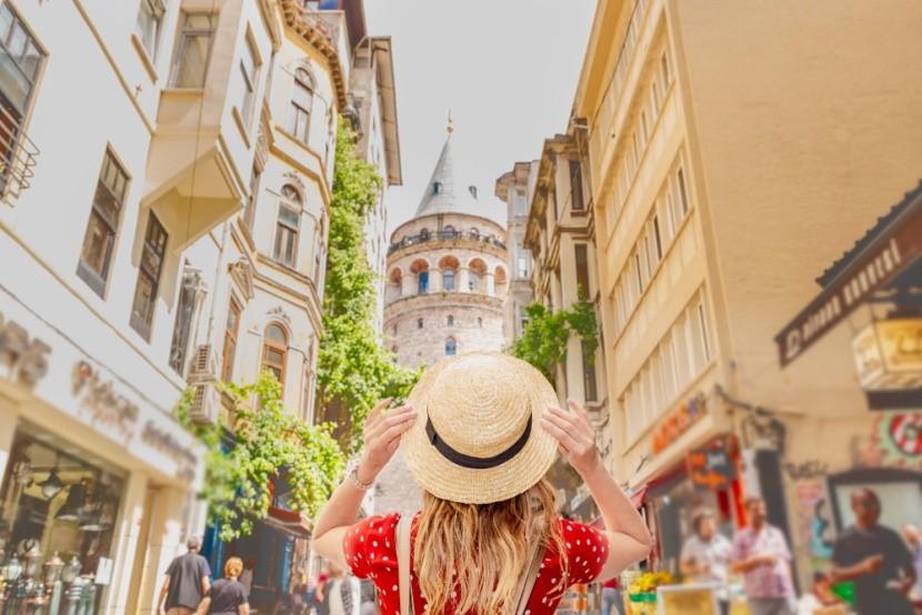 Beyoglu negyed a Galata toronnyal