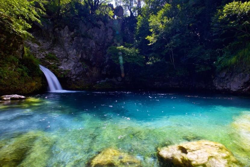Albánia, Kék szem forrás